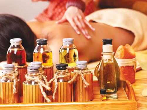 Xông mặt bằng tinh dầu hoa hồi: Phương pháp tẩy da chết lành tính