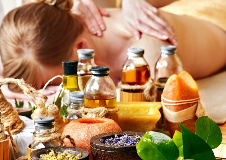Các mẹ, các chị cho em hỏi mua tinh dầu massage ở đâu loại nào tốt vậy ?