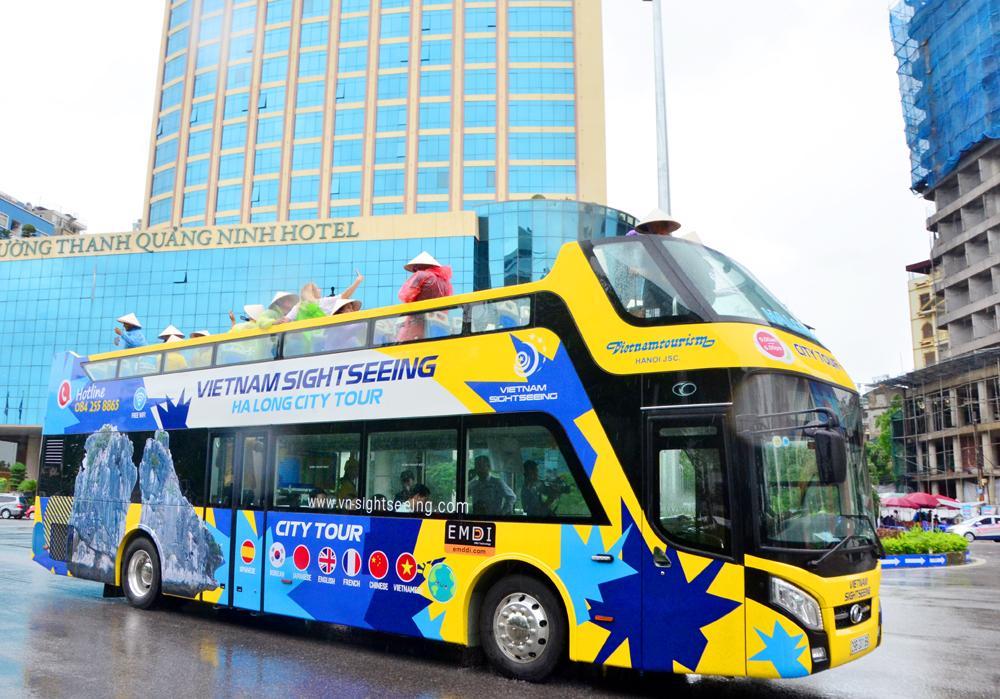 Ngắm cảnh đẹp vịnh Hạ Long trên xe buýt 2 tầng