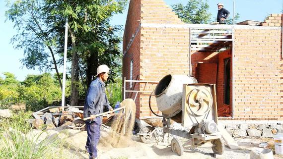 Ấm áp những ngôi nhà 1.000 đồng cho dân nghèo vùng Tây Nguyên