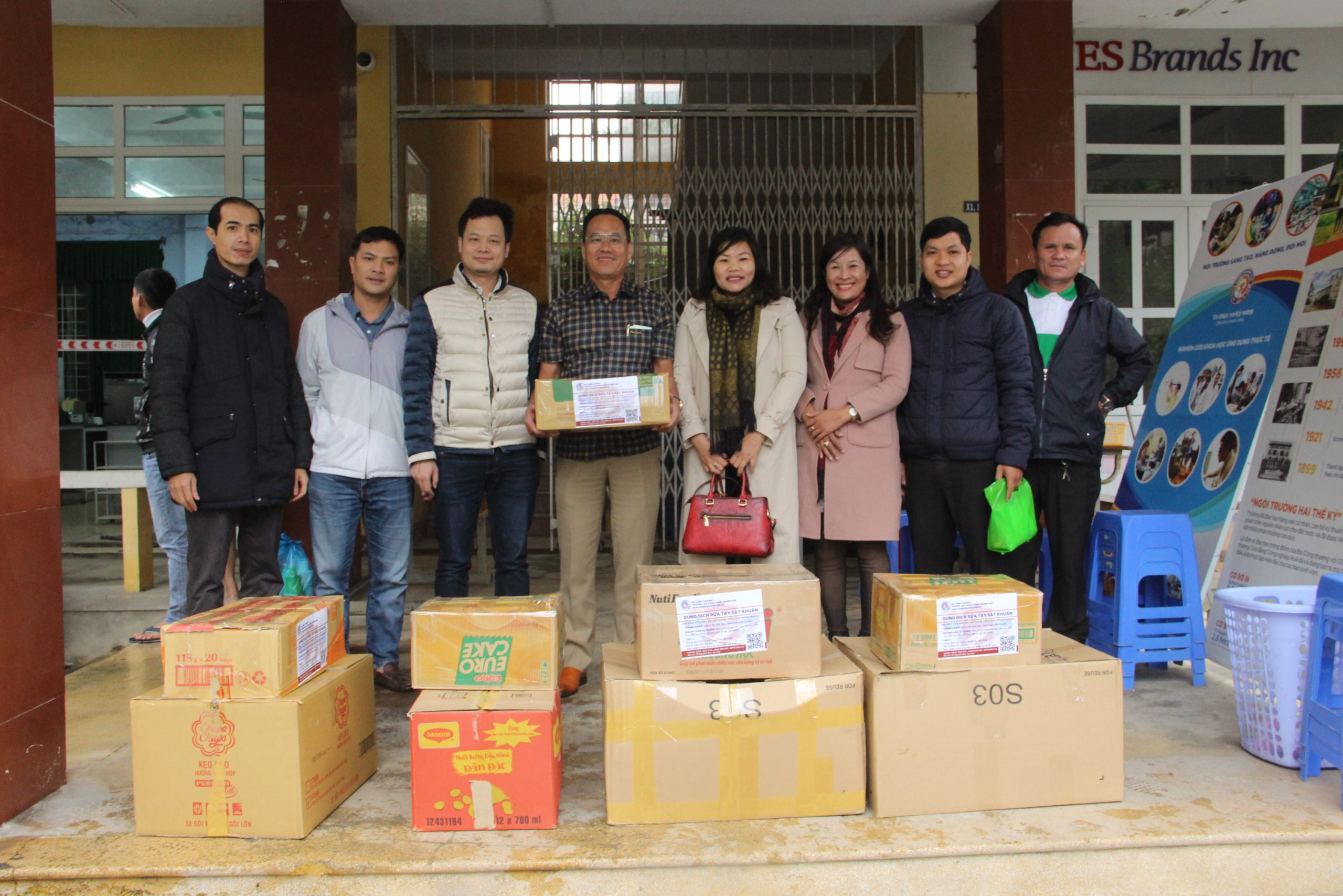 Doanh nghiệp tặng 3.000 phần quà phòng ngừa dịch Covid- 19