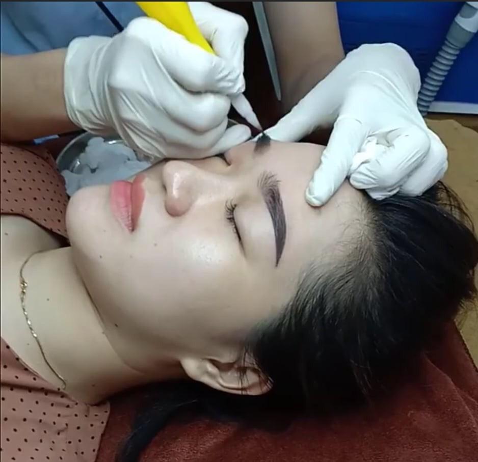 Phun thêu thẩm mỹ Hoàng Bách – Chìa khóa cho gương mặt hoàn hảo