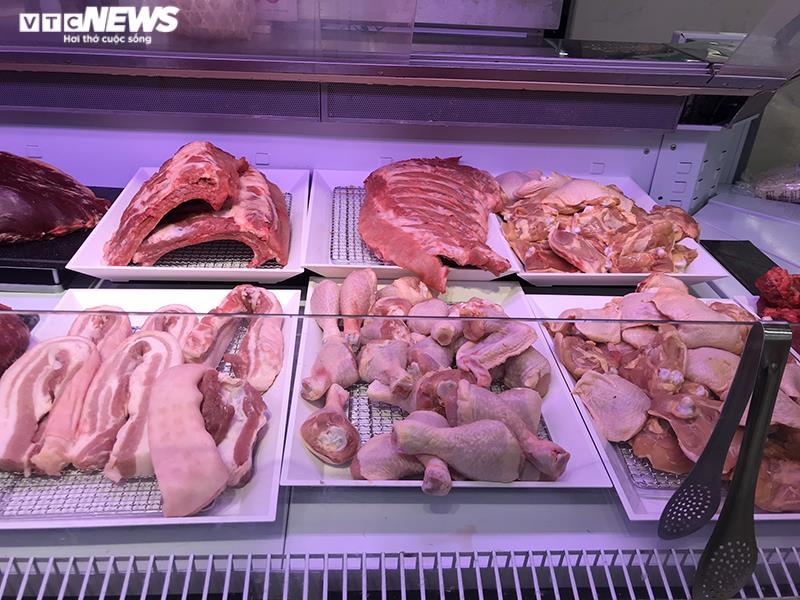 Thịt lợn nhập khẩu ồ ạt về Việt Nam, tăng 300%