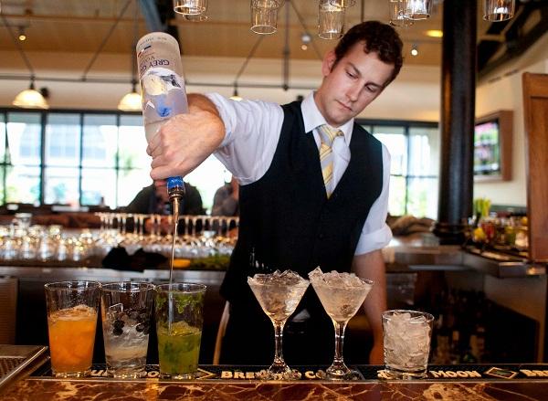 05 kĩ thuật pha chế cocktail tuyệt vời không nên bỏ qua