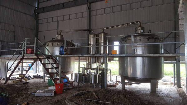 Quy trình sử dụng máy sản xuất tinh dầu quế như thế nào?
