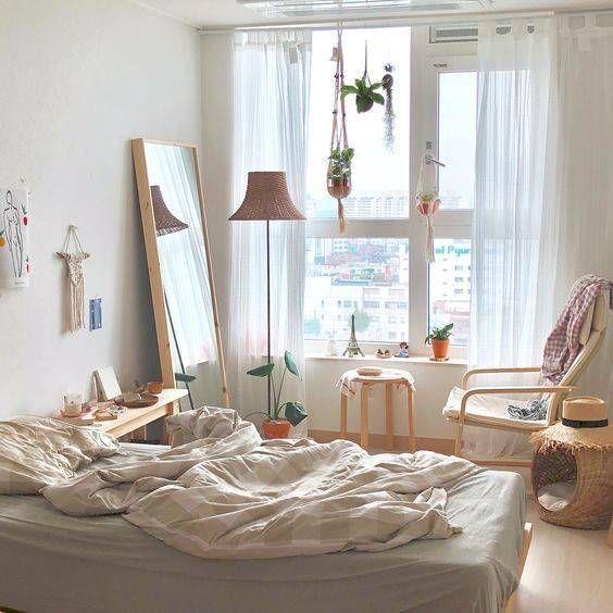 Tham khảo các cách decor cửa sổ phòng ngủ cực bắt trend