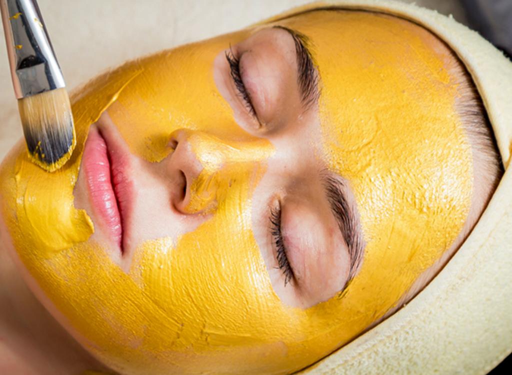 Chăm sóc da bằng vàng có những tác dụng như thế nào?