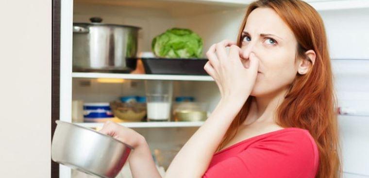 Tuyệt chiêu khử mùi tủ lạnh không cần dùng đến hóa chất