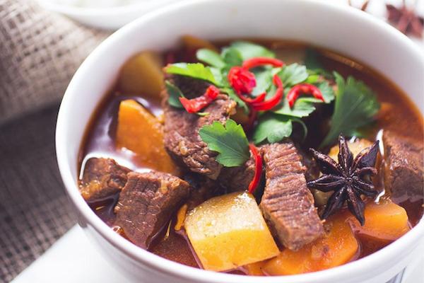 Hoa hồi nấu bò kho cực dễ làm và cực bắt cơm