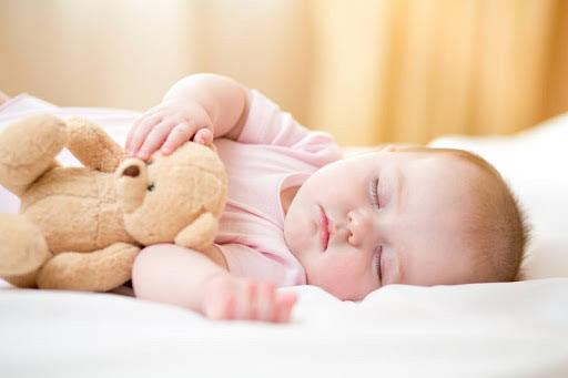 Chăm sóc trẻ mùa đông: Những nguyên tắc để con không bị ốm