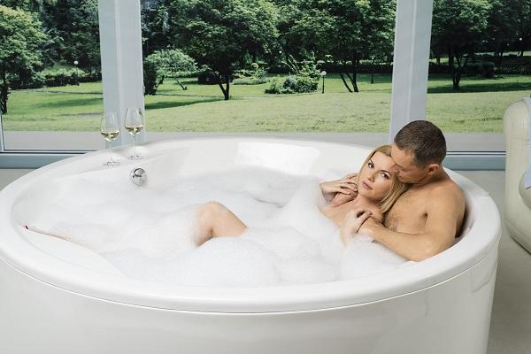 Bồn tắm sục có tác dụng gì mà nhiều người tìm mua ?